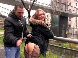 Angélique, 23ans, fait la grosse cochonne ! | IllicoPorno