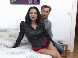 Elvira la mature est chaude ! | IllicoPorno