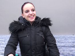 La jeune coquine Barbara honore son fantasme | IllicoPorno