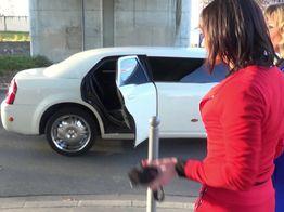 Défonce totale dans la limousine pour Emma ! | IllicoPorno