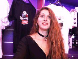 Lana fait sa grosse cochonne dans un sex-shop ! | IllicoPorno