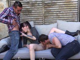 Défonce totale : Ella découvre l'anal et se fait péter le cul ! | IllicoPorno