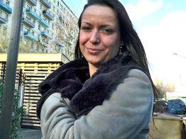 La MILF Amélie prise en gang bang ! | IllicoPorno