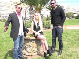 Défonce : la salope blonde Cindy tourne sa première sodomie ! | IllicoPorno