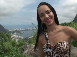 Sodomie corsée pour la vendeuse très salope du Corcovado !   IllicoPorno