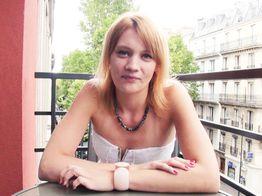 Double pénétration pour Anna la jeune salope ! | IllicoPorno