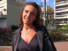 Chloé, beurette prise au piège par un faux casteur ! | IllicoPorno