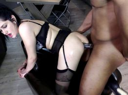 Baptême de sodomie black pour Isabella | IllicoPorno